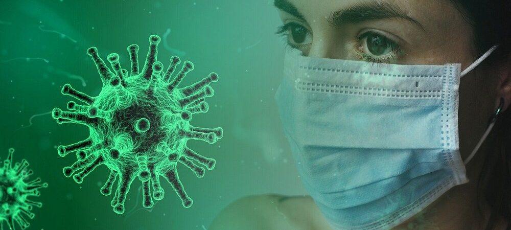 coronawirus kobieta z maseczką