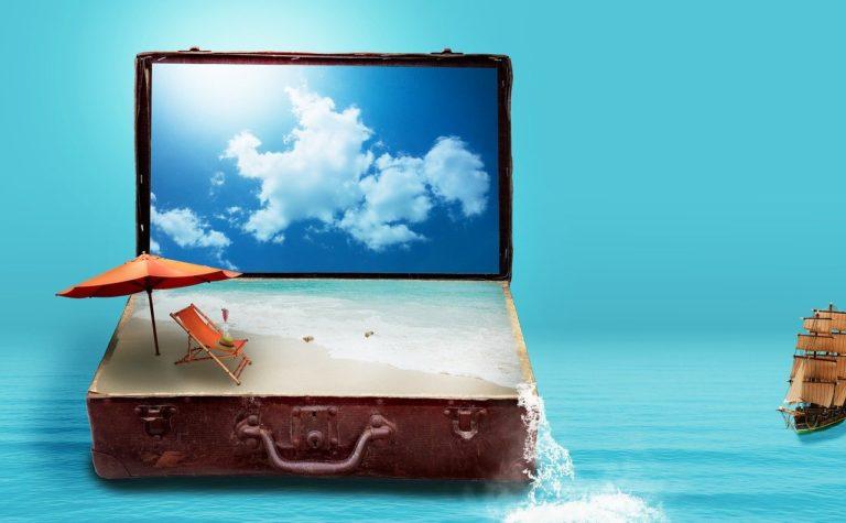 walizka morze plaża
